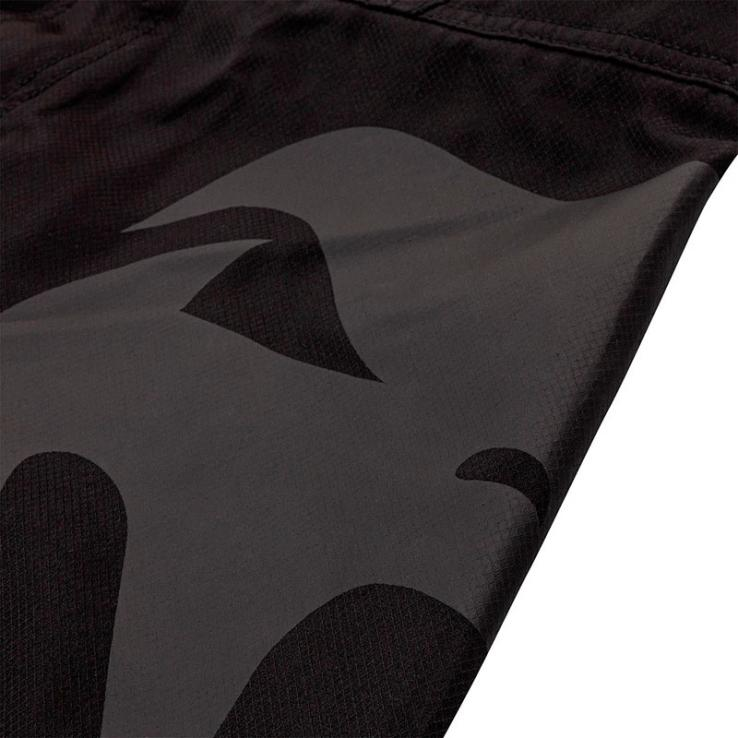 MMA Venum Shorts Light 3.0 black / black