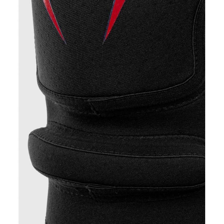 Knieschutz Venum Kontact Evo black / red